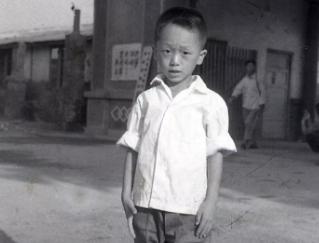 360周鸿祎童年照片